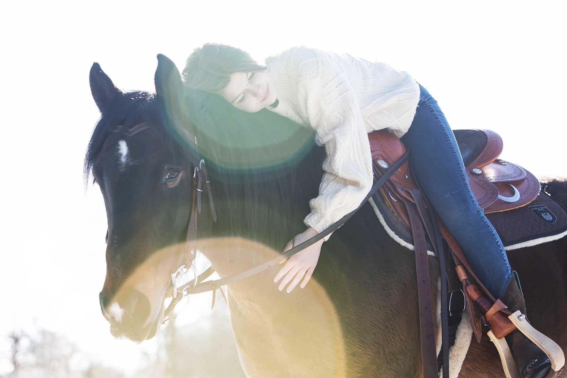 angela pfeiffer Fotografin, angela pfeiffer, pferdeshooting, pferdefotografie, pferdeshooting hamburg, pferdefoto, professionelle Pferdefotos, professionelles pferdeshooting, individuelle pferdefotos, pferdeportraits, fotos turnierpferde, turnierfotos, sportpferde fotos, fotografie, sportpferdefotografie, portrait mit Pferd, Shooting mit Pferd, individuelle Pferdefotografie